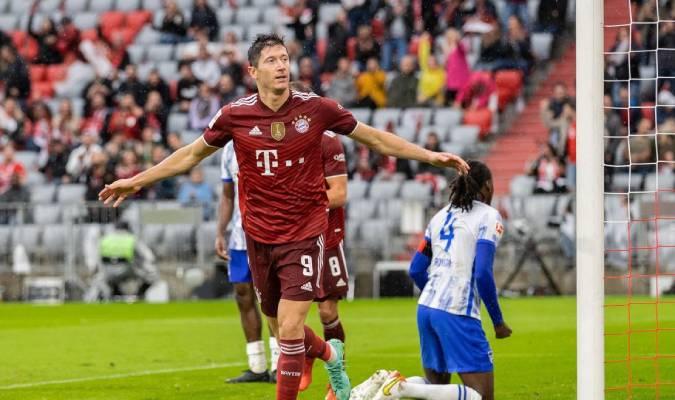 El futbolista polaco ya acumula cinco goles en lo que va de torneo