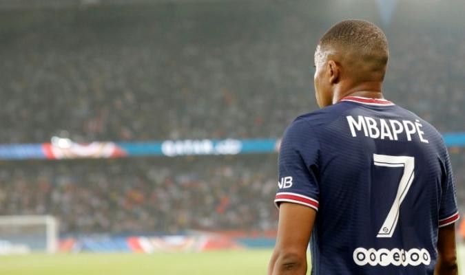 Mbappé continuará al menos hasta junio en el PSG