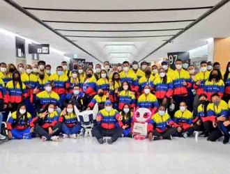 En la terminal los recibió el Ministro de Deportes, Mervin Maldonado,
