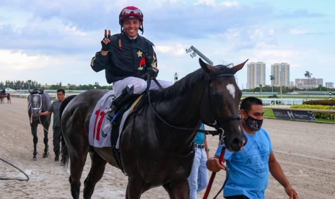 Junior Alvarado conquistó una prueba en el complicado circuito de Belmont Park / foto cortesía