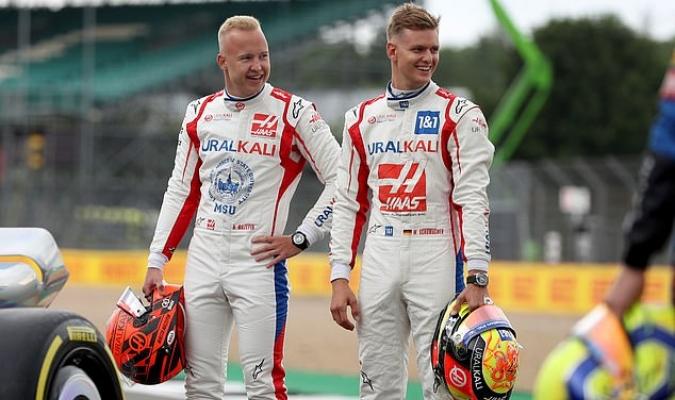 Schumacher señaló que está viviendo su