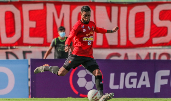 El zaguero barinés probablemente juegue en este choque| Prensa Caracas FC