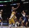 LeBron James y Anthony Davis trataron de marcar el ritmo desde el inicio / foto cortesía