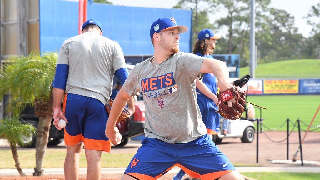 Zach Wheeler trabaja con los Mets /Foto AP