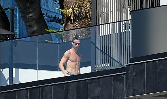 Cristiano Ronaldo disfruta del sol/ Foto Cortesía