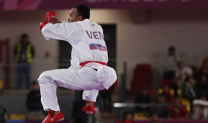 Andrés Madera en karate / Foto: AP
