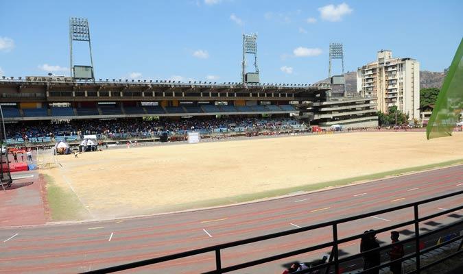 El estadio presenta un descuido muy evidente/ Foto David Urdaneta