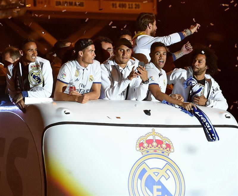 Real Madrid en el autobús / Fuente EFE