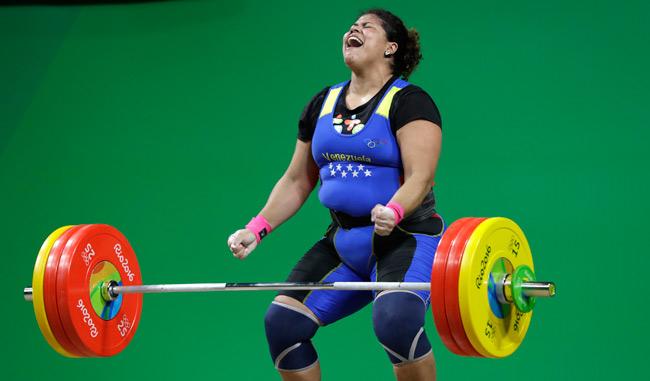 Yaniuska Espinosa se llevó en su debut un diploma olímpico/AP