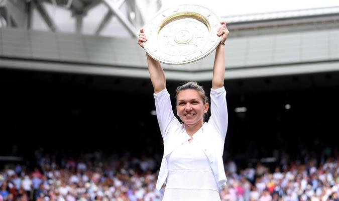 La tenista europea alzó su trofeo / Foto: EFE