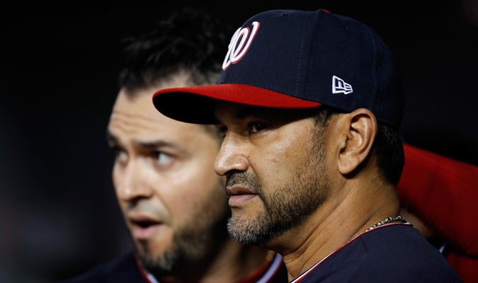 Martínez piensa ante la difícil situación/ Foto AP