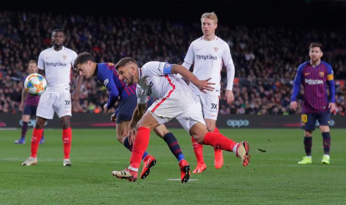 Coutinho anotó de cabeza su segundo gol del partido/ Foto AP
