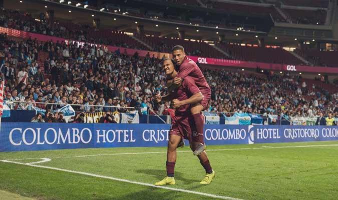 Salomón Rondón y Darwin Machís celebran el gol || Foto: Cortesía