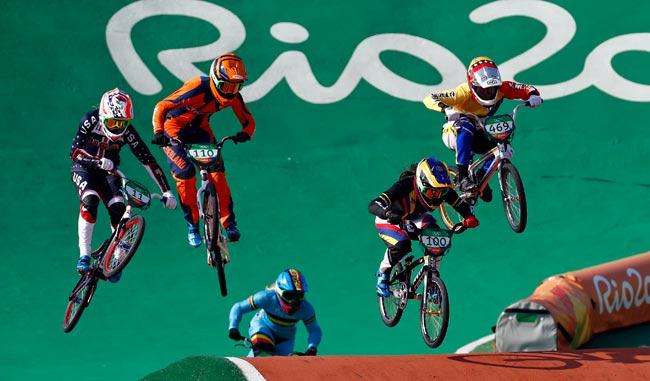 Stefany Hernandez voló en la pista de Río/AP