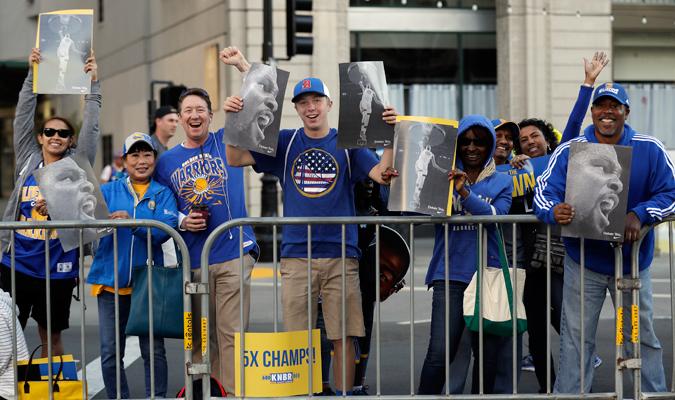Los aficionados le dieron un mensaje a sus ídolos / Foto AP