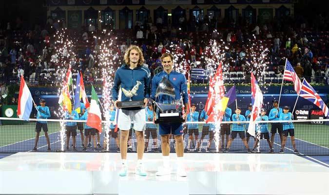 Ambos tenistas posando con sus títulos/ Foto EFE
