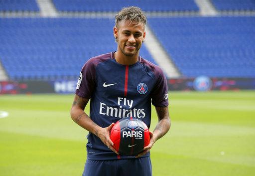 Neymar posa para la cámara /Foto AP