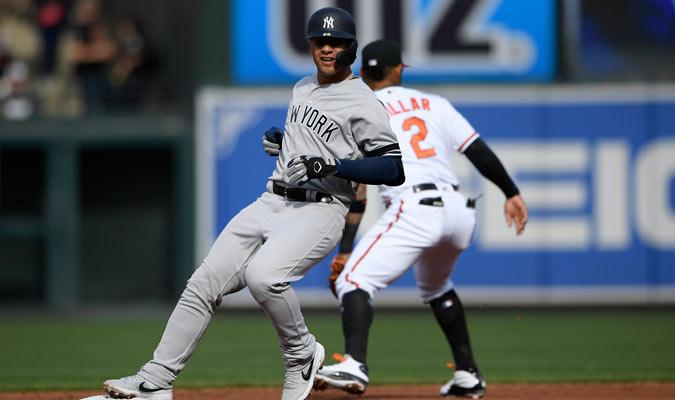 Gleyber Torres logró pisar 11 bases en el juego/ Foto AP