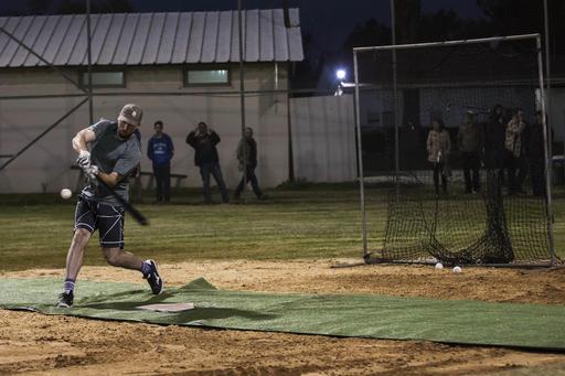 Ike Davis toma práctica de bateo /Foto AP