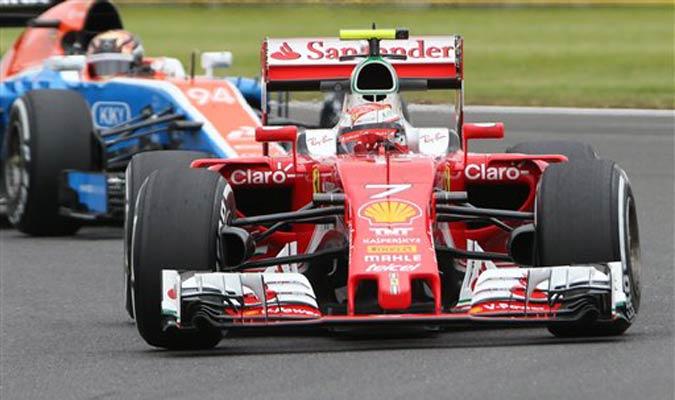 Kimi Räikkönen se adapta en Inglaterra / Foto AP