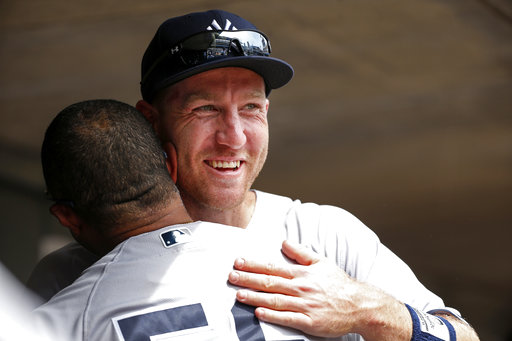 Frazier saluda a sus nuevos compañeros /Foto AP