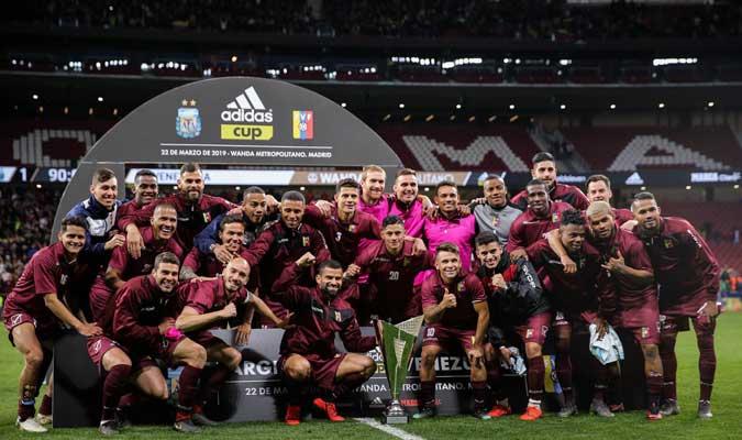 Los criollos levantaron la Adidas Cup || Foto: Cortesía