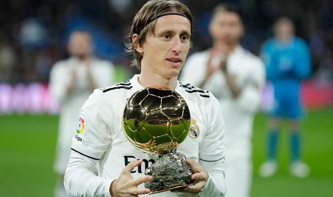Modric recibió todo el cariño del Bernabéu/ Foto AP