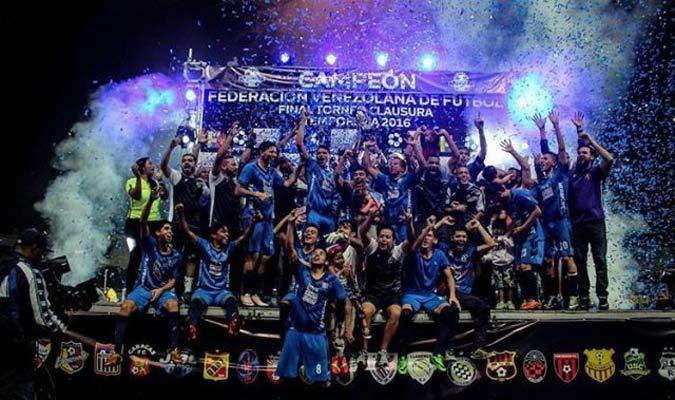 El equipo petrolero vivió su mejor temporada al conseguir Copa y Torneo Clausura
