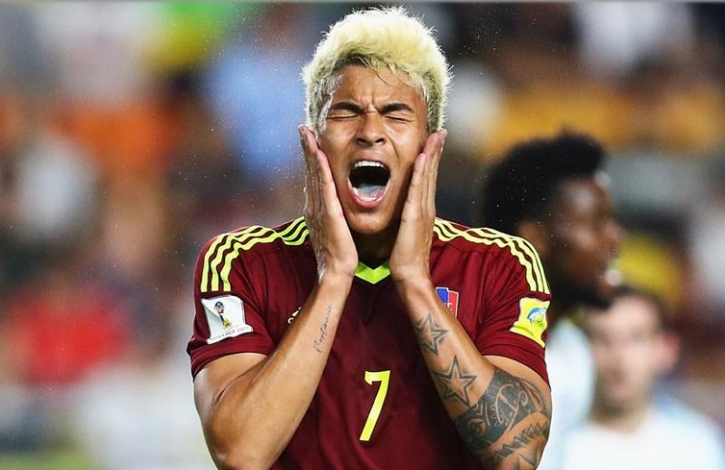 Peñaranda se lamenta por no convertir el penal /Foto FIFA