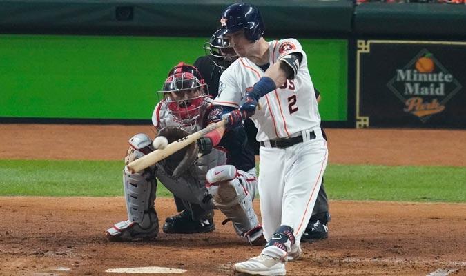 Bregman igualó las acciones a los suyos con un jonrón/ Foto AP