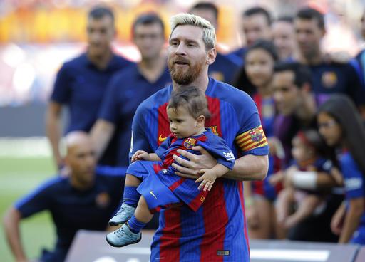 Messi estuvo con sus hijos /Foto AP