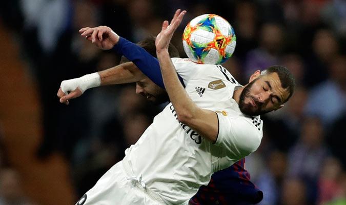 Benzema lo intentó, pero no estuvo atinado/ Foto AP