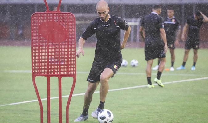 Villanueva se ejercita bajo la lluvia/ Foto @SeleVinotinto