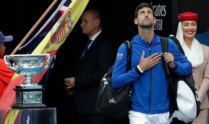 Djokovic ingresando a la cancha/ Foto AP