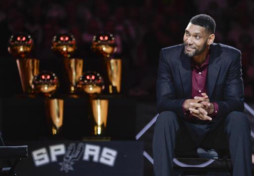 Duncan se despidió como la leyenda de los Spurs /Foto AP