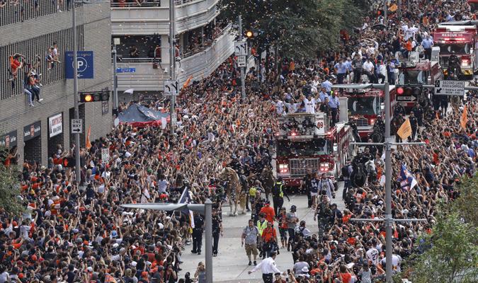 Las calles de Houston explotaron / AP