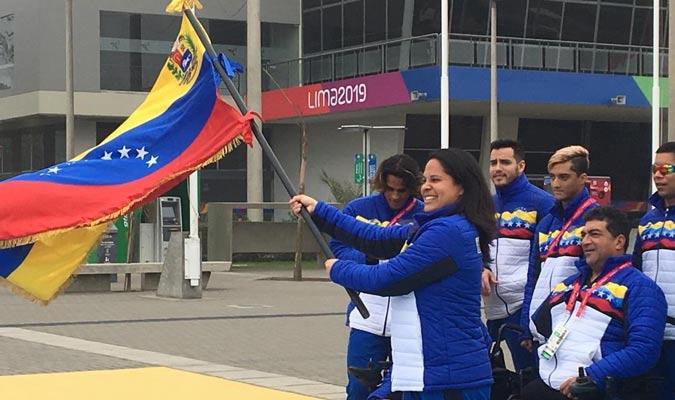 La bandera venezolana ondea en Lima / Foto: Pedro Infante
