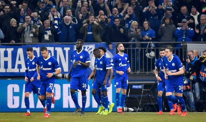 Los del equipo minero celebraron por todo lo alto su gol del empate/ Foto AP