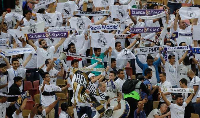 El publico de Yeda que apoyó al Real Madrid/ Foto AP