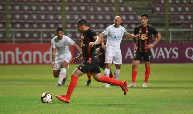 Manzano anotó desde el punto penal || Foto: Deportivo Lara