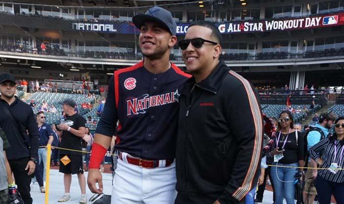 Willson Contreras posó con el boricua / Foto: MLB Venezuela
