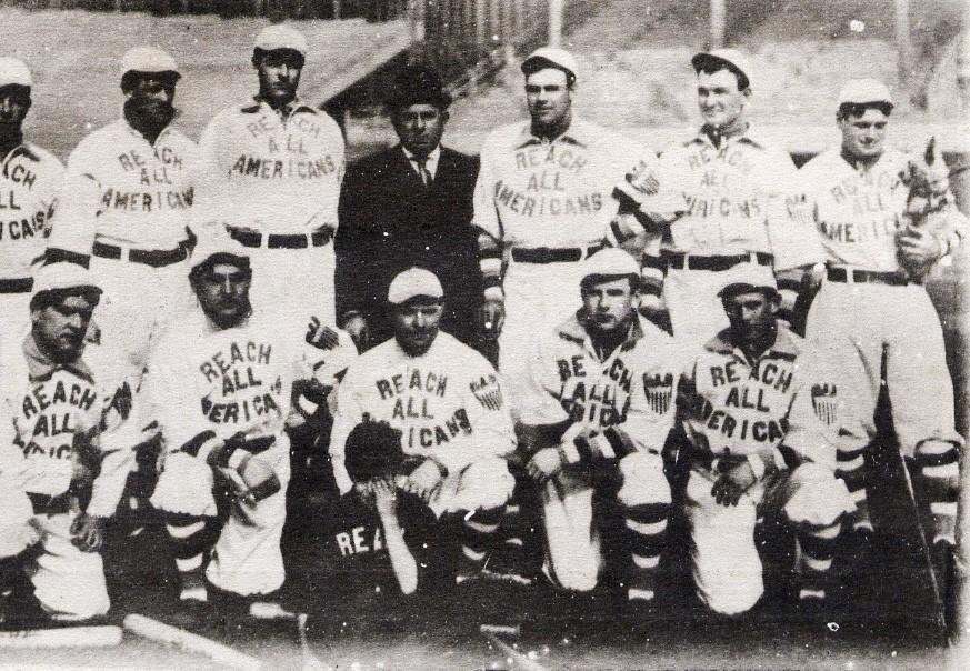 El equipo Reach All Americans visitó Japón en 1908. Foto AP