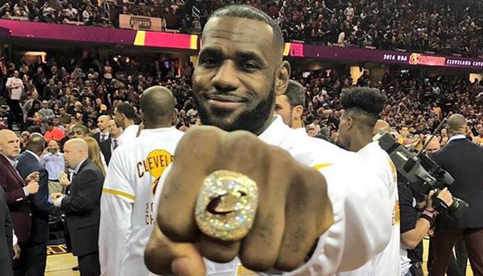 Finalmente LeBron James consiguió el anillo en Cleveland /Foto AP