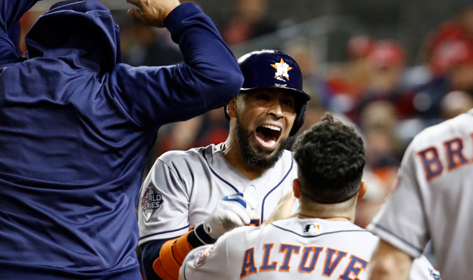 Robinson Chirinos emocionado por su nuevo jonrón/ Foto AP