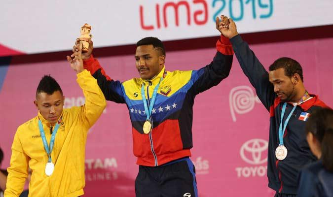 El venezolano está en lo más alto del podio / Foto: Punto Olímpico