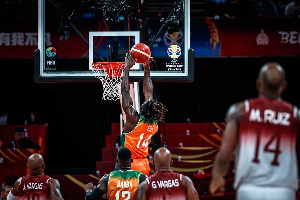 El partido comenzó muy igualado/ Foto fiba.basketball.es