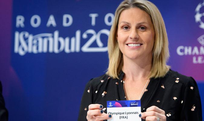 La futbolista Kelly Smith estuvo en el sorteo/ Foto AP