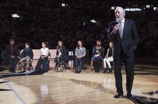 Popovich dio una palabras /Foto AP