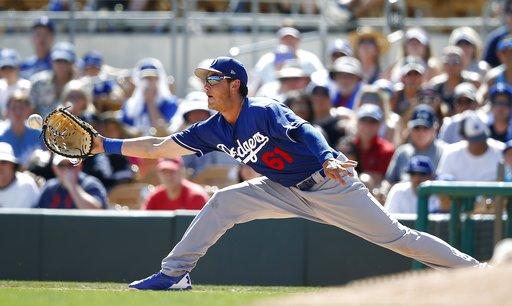 El primera base de los Dodgers destacandose para el spring training / foto:AP