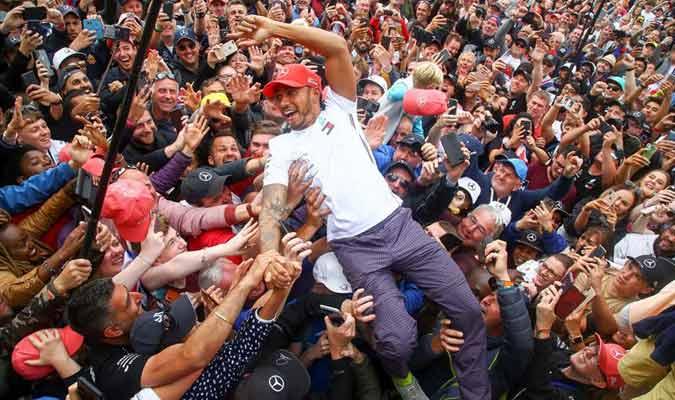 Fue ovacionado en Silverstone / Foto: EFE